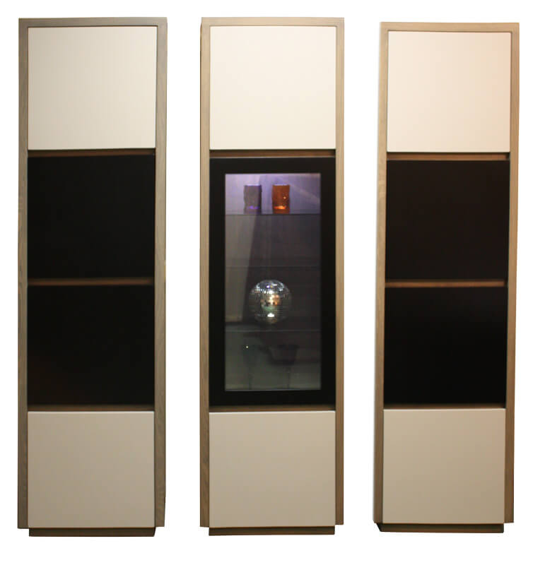 colonne vitrine 1 porte pleine 1 porte vitr e tag res verres clairage leds ch ne weng bois. Black Bedroom Furniture Sets. Home Design Ideas