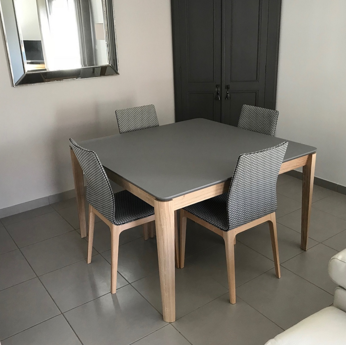 Table Salle A Manger Carré Avec Rallonge table carrée fénix noir et chêne blanchi